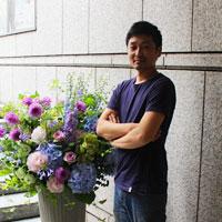 フラワーデザイナー三栗野真平
