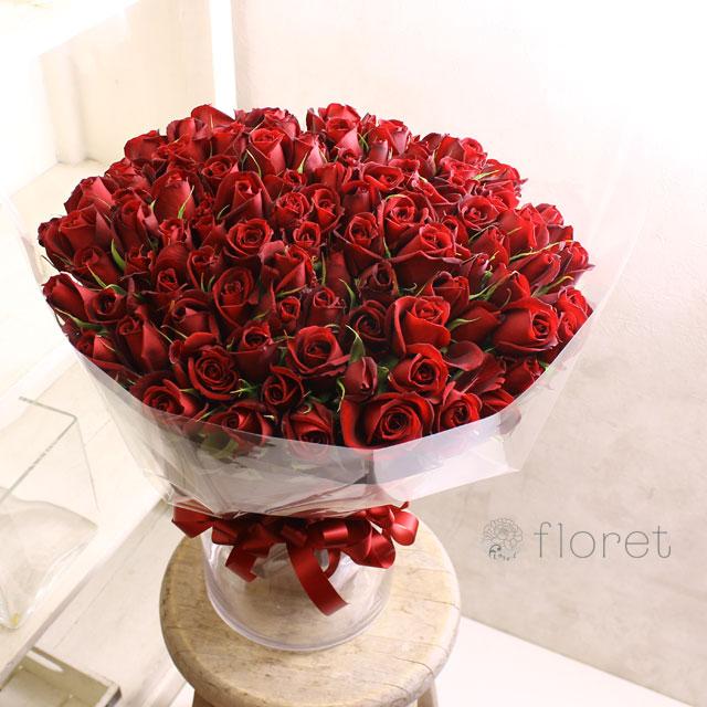 赤いバラ100本のブーケ