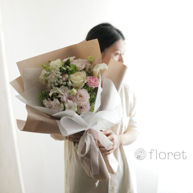 花束(おしゃれなラッピング)お任せピンク系2