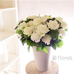 白いバラがメインのロングポットフラワーギフト