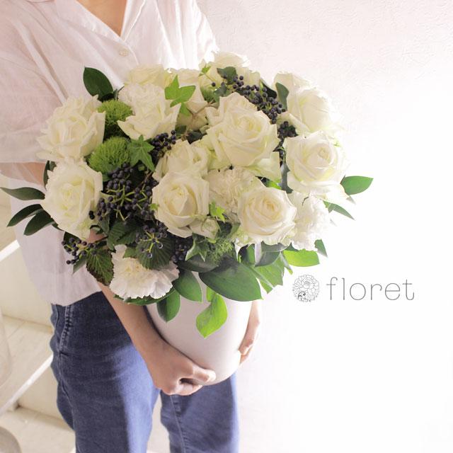 白いバラがメインのロングポットフラワーギフト4